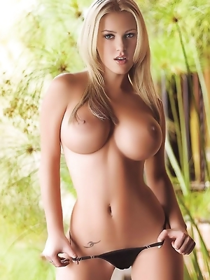 Julie T Wallice Nude